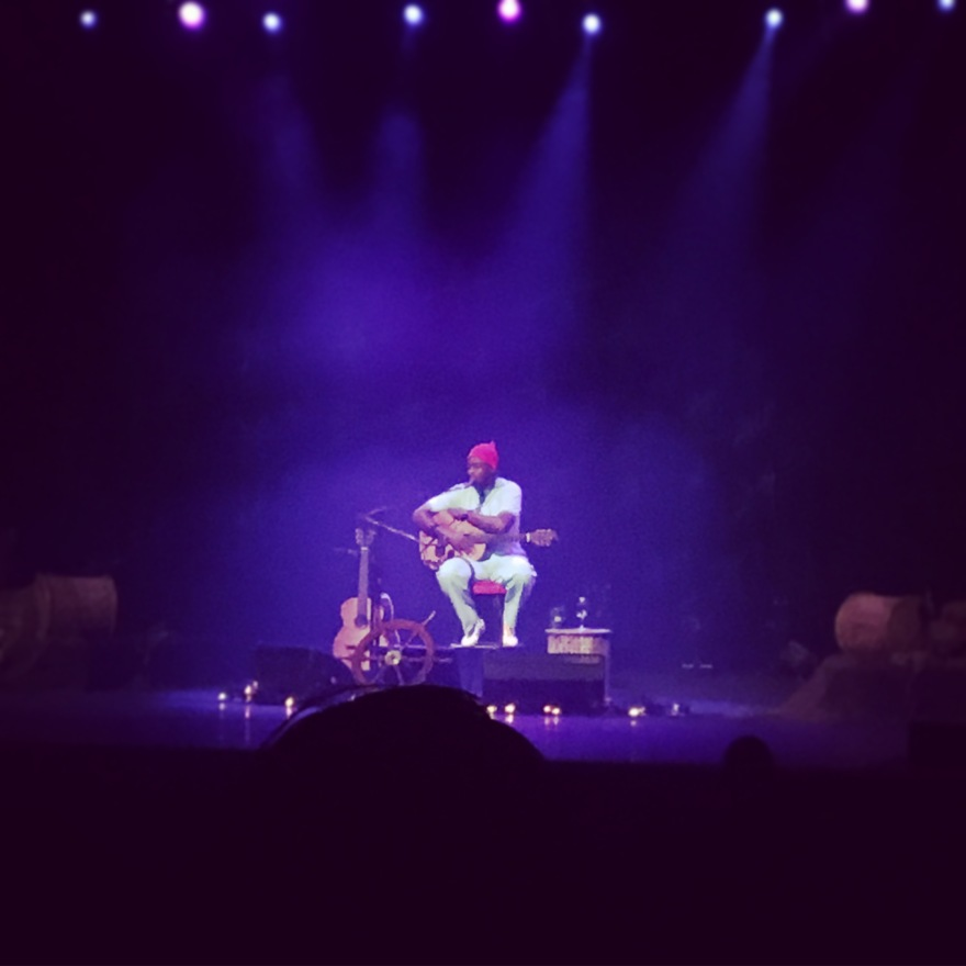 2016 - Seu Jorge at Queen Elizabeth building