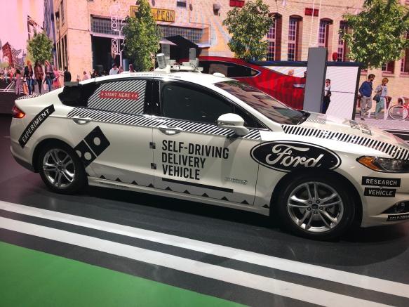 Auto - Autonomous Ford Dominos Delivery